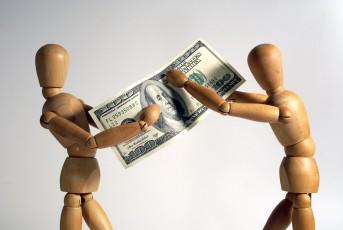 cearta cuplu bani